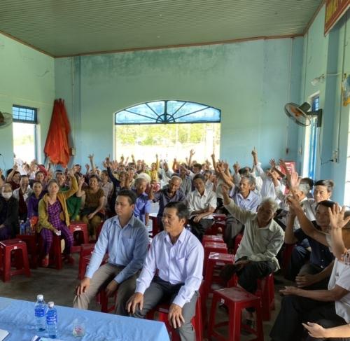 Hội nghị lấy ý kiến nhận xét và tín nhiệm của cử tri nơi cư trú
